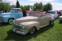 1947 Mercury Find The Middle Ground Between For And Lincoln