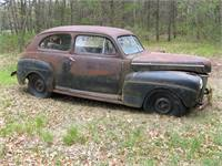 1941 Ford 2dr Deluxe Sedan for restoration or parts