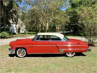 Beautiful restored 1954 Lincoln Capri with PS, PB, PW, and A/C